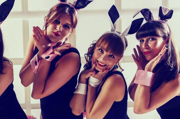 xHenparty_Elena_bunny-700x465.jpg.pagespeed.ic.By8GLUYdTS