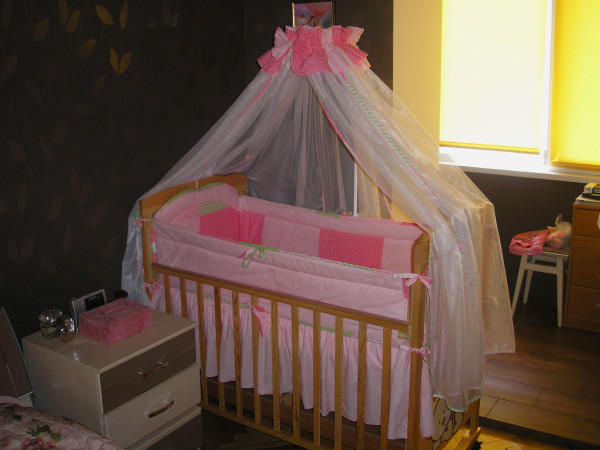 Кроватка с балдахином для новорожденного своими руками 92